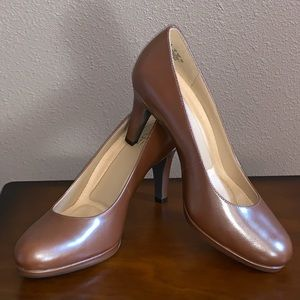 Naturalizer NWOT Brown Dress Heels